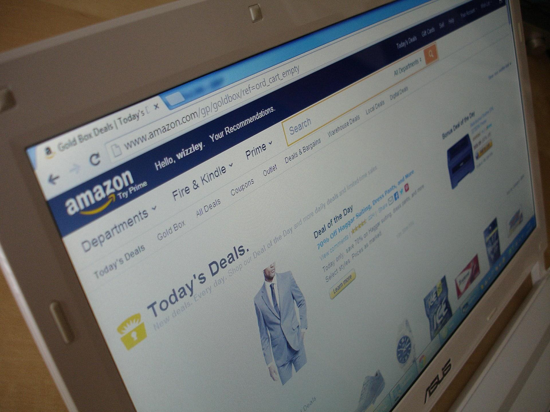 Contre Amazon, des frais minimum pour les frais de livraison