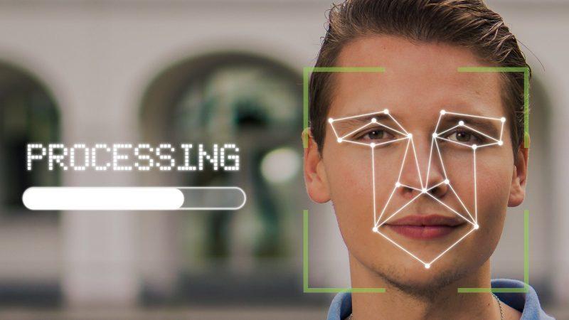 La technologie controversée de la reconnaissance faciale hante les enfants britanniques